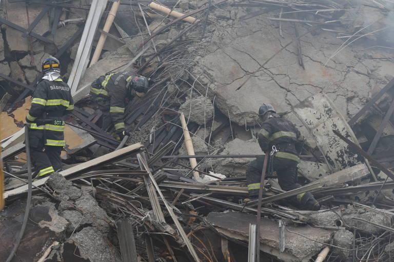 Prédio desaba durante incêndio no largo do Paissandu, centro de SP