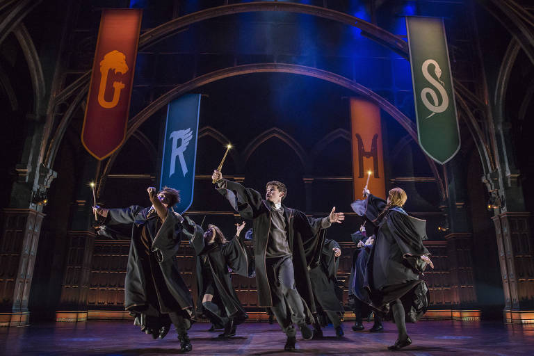 Cena de 'Harry Potter and the Cursed Child', uma das peças que concorre ao Tony