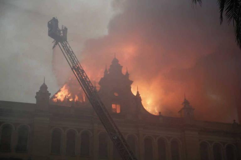 Incêndio atinge Museu da Língua Portuguesa
