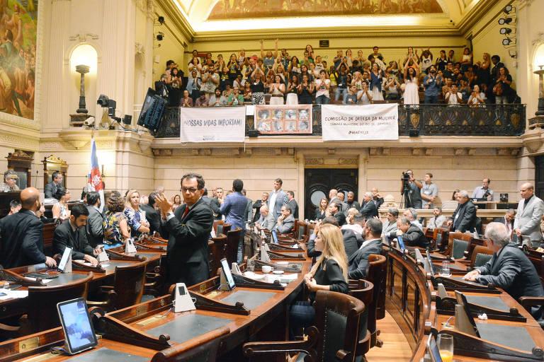 Plenário da Câmara de Vereadores do Rio, que aprovou nesta quarta (2) cinco projetos de lei da vereadora Marielle Franco, assassinada em 14 de março