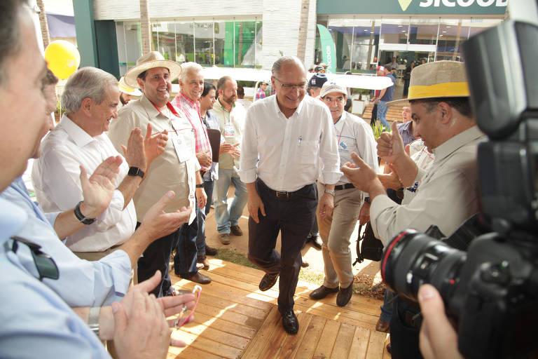Presidenciáveis e candidatos ao governo de SP visitam feira ruralista