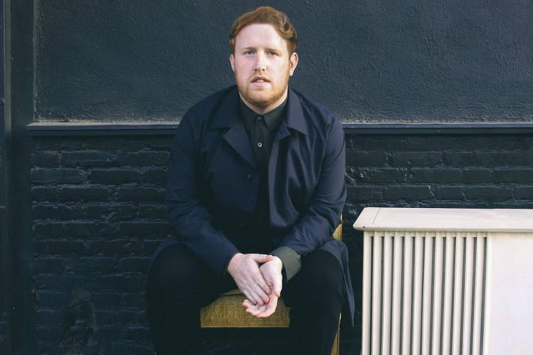 O cantor e compositor pop irlandês Gavin James