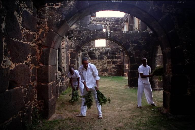 Vídeo do artista baiano Ayrson Heráclito, em exibição no Masp