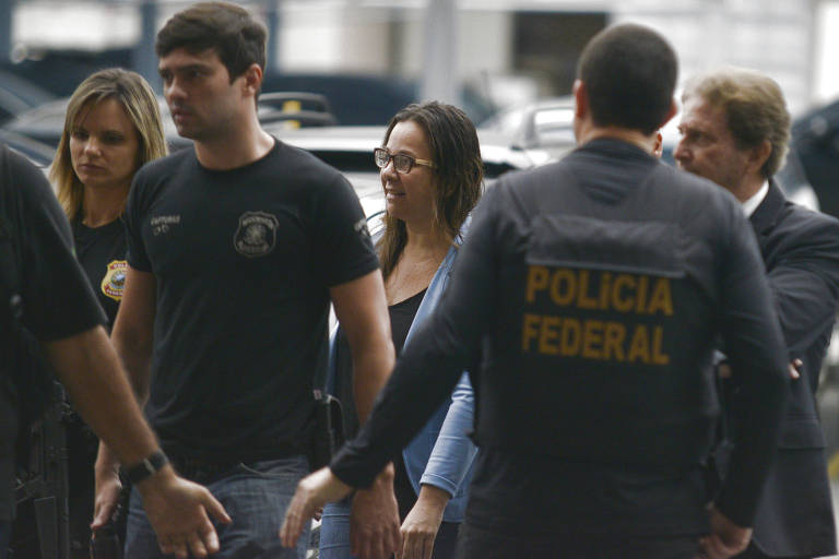 Movimentação na sede da Polícia Federal do Rio devido à Operação Câmbio, Desligo