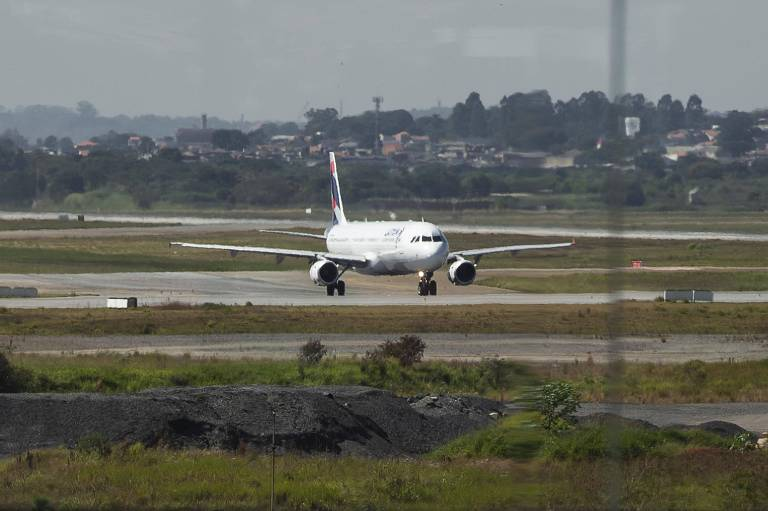Pista do aeroporto de Guarulhos