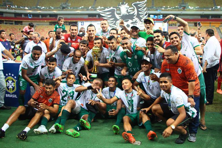 Jogadores do Manaus FC comemoram título após a partida entre Manaus e Fast, válida pela final do Campeonato Amazonense 2018 - 7.abr.2018