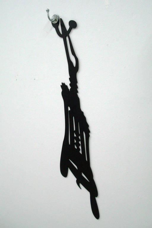 Obra 'Pendente (Silhuetas)', de Regina Silveira