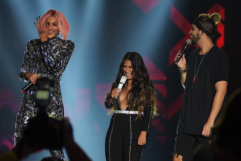 Pabllo Vittar, Simone e Luan Santana cantam juntos em show promovido pela Coca-Cola