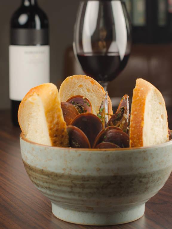 Mexilhões frescos são opção de entrada no novo Vino!