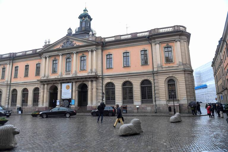 Em atualização Academia decide não atribuir Prémio Nobel da Literatura este ano