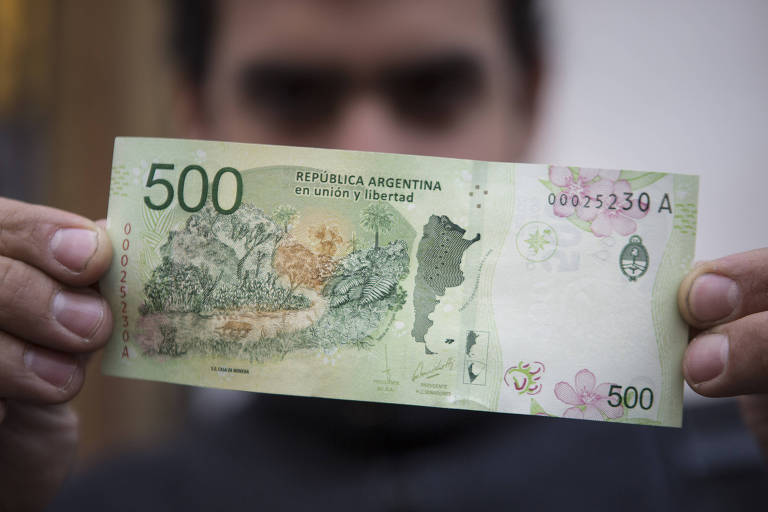 Entenda a disparada do dólar na Argentina