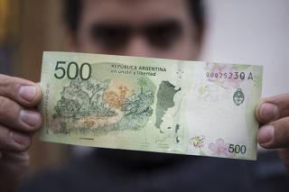 (6)ARGENTINA-BUENOS AIRES-ECONOMIA-BILLETE-SERIE
