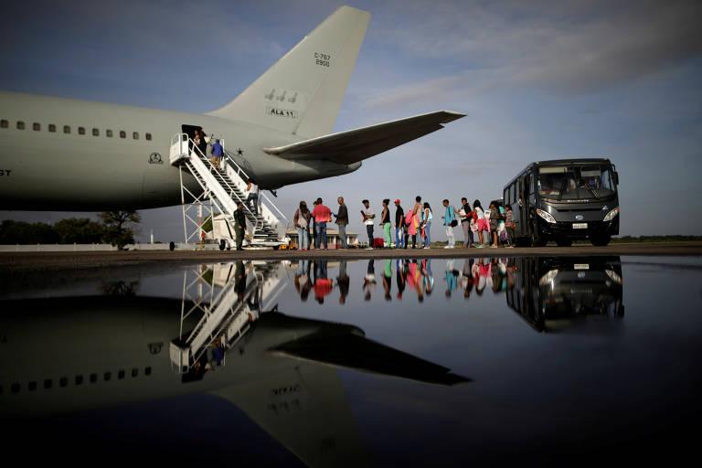 Manaus recebe 164 venezuelanos vindos de abrigo de Roraima