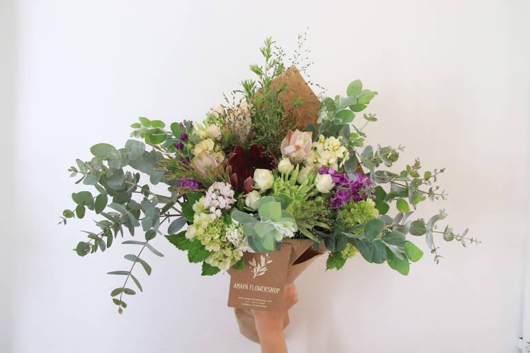P/ sua casa - Veja dicas de buquês e vasos para colorir o Dia das Mães