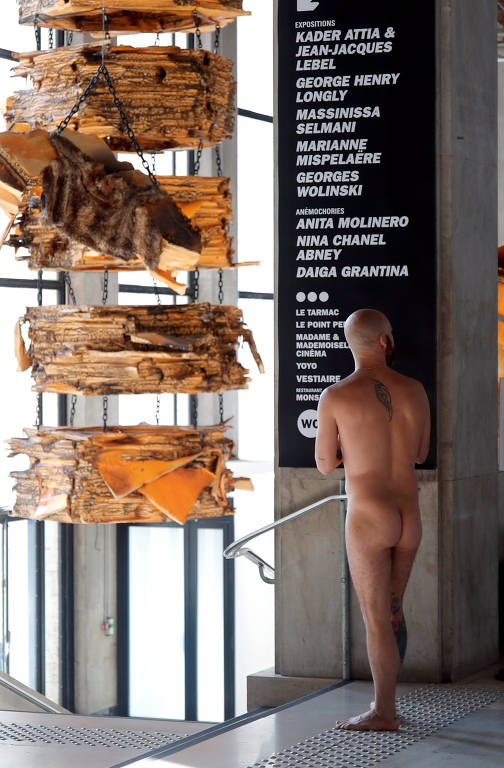 Museu em Paris abre as portas para nudistas