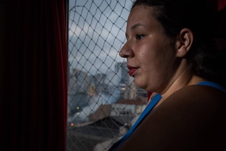 Camila Andrade, 27, viu o incêndio e depois o desabamento do edifício Wilton Paes de Almeida, no largo Paissandu, da janela do prédio onde mora, na rua Santa Ifigênia, um quarteirão para trás