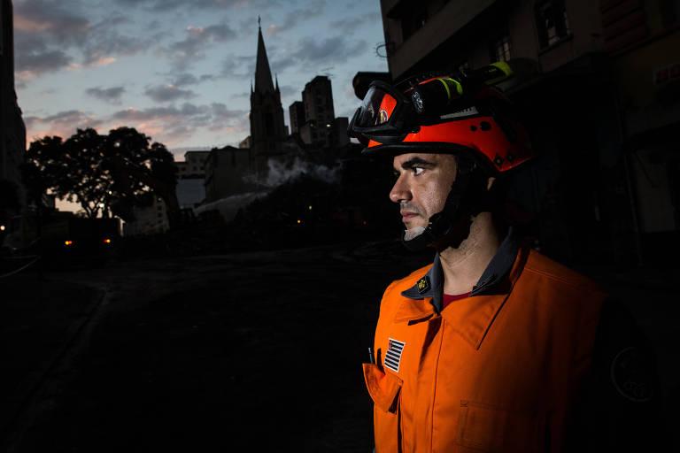 André Elias dos Santos, tenente dos Bombeiros, participou das operações de resgate desde o início do acidente no edifício Wilton Paes de Almeida, no largo Paissandu