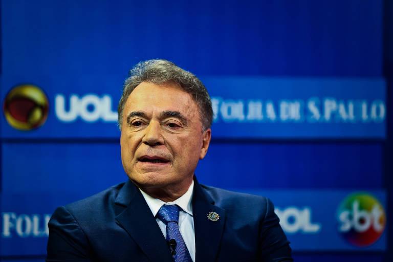 O senador Alvaro Dias (Podemos) durante a sabatina Folha, Uol e SBT nesta segunda (7)