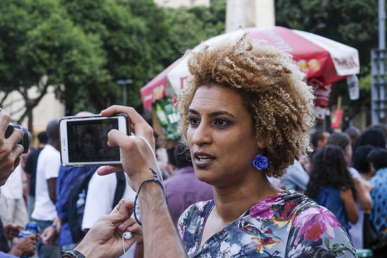 Vereadora  Marielle Franco durante entrevista na Cinelândia, no Rio de Janeiro