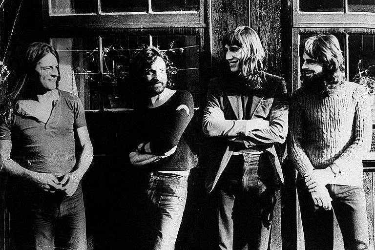 David Gilmour, Nick Mason, Roger Waters e Richard Wright, da formação mais famosa do grupo inglês Pink Floyd