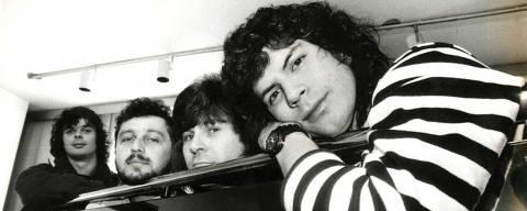 SÃO PAULO, SP, BRASIL, 00-02-1989: Música: da esq. para dir., Fernando, Luís, Paulo Pagiani e Paulo Ricardo, integrantes da banda de rock RPM, posam para foto, em São Paulo (SP). (Foto: Márcia Zoet/Folhapress)
