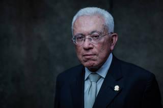 FILOSOFO MANGABEIRA UNGER