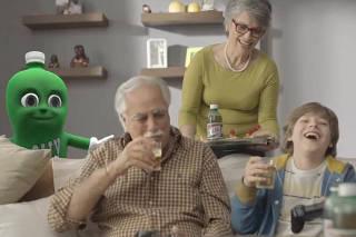 Dollynho é relagado a segundo plano em comercial do refrigerante Dolly