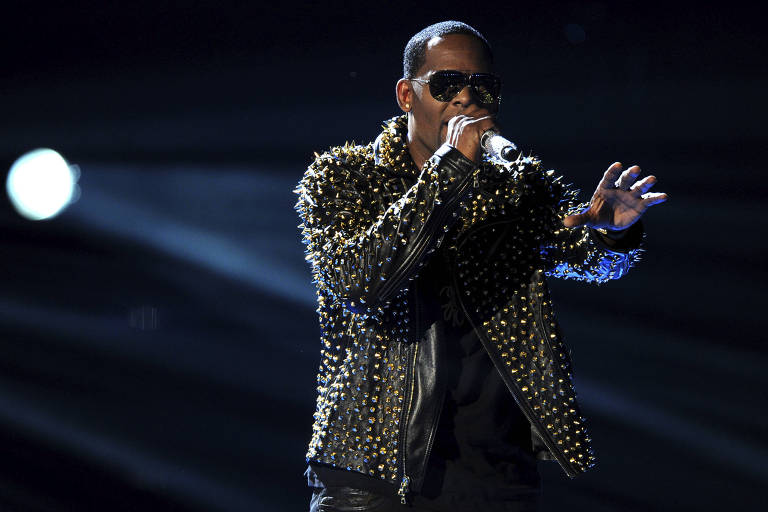 Spotify exclui R. Kelly de playlists e algoritmos