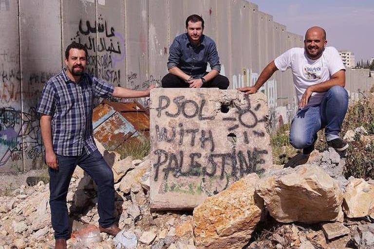 Da esq. para a dir.: Boulos, Juliano Medeiros e Fred Henriques, do PSOL, em Belém