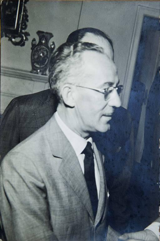 Reprodução de retrato de Wilton Paes de Almeida,  que dá o nome ao edifício que desabou no centro, no dia 1º