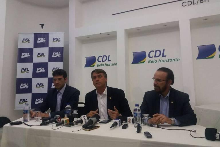 O deputado federal Jair Bolsonaro (PSL) fala em entrevista coletiva em Belo Horizonte