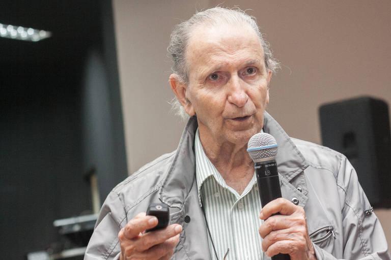 Sérgio Mascarenhas Oliveira, 90, é físico e químico