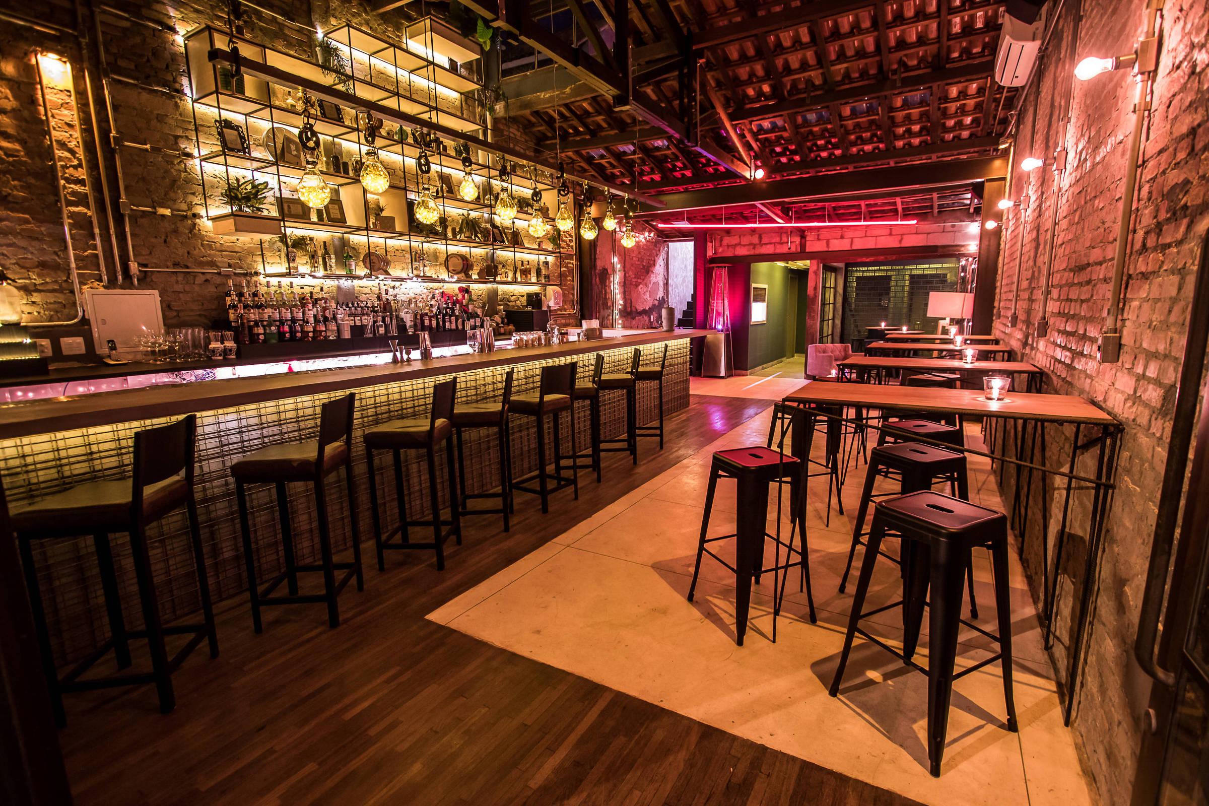 Guilhotina, em SP, é eleito o 15º melhor bar do mundo - 03/10/2019 - Bares  - Guia Folha