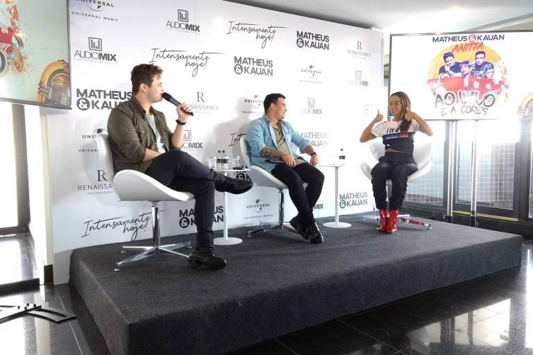 "Matheus, Kauan e Anitta na coletiva de imprensa da música ""Ao Vivo e a Cores"""