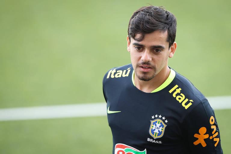 Fagner durante treino da seleção brasileira na Arena Corinthians