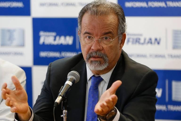 O ministro da Segurança Pública, Raul Jungmann, fala durante evento no Rio