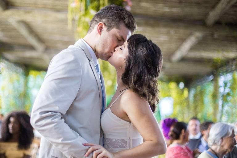 Patrick e Clara se casam no final de 'O Outro Lado do Paraíso' (Globo)