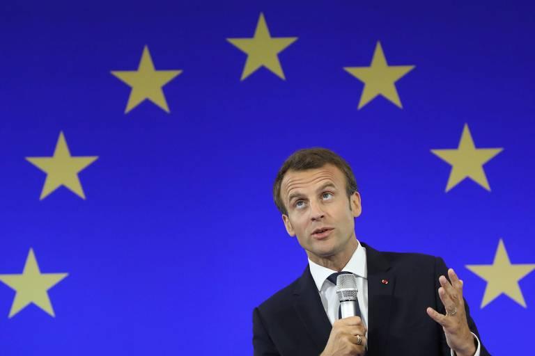 Macron discursa para estudantes universitários em visita a Aachen, na Alemanha