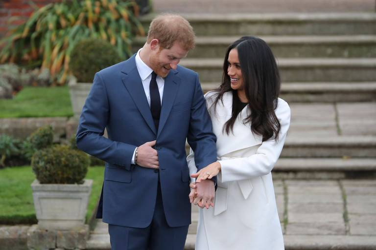 O príncipe Harry e a atriz norte-americana Meghan Markle no Palácio de Kensington