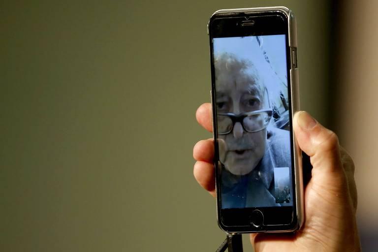 Diretor Jean-Luc Godard participa de entrevista por videoconferência no Festival de Cannes