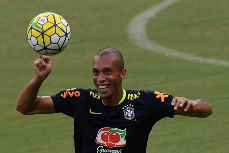 Miranda é titular absoluto na zaga da seleção brasileira