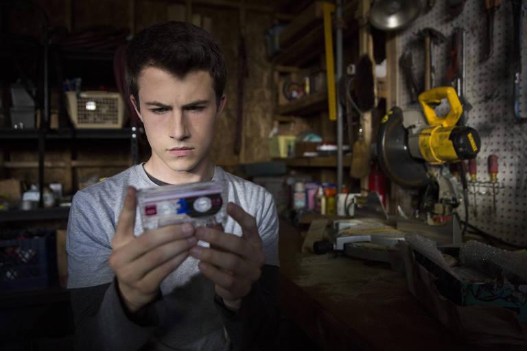 Dylan Minnette (Clay) é um dos protagonistas da série