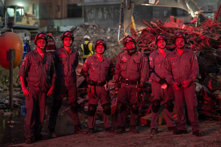Equipe de elite dos bombeiros que atuou no incêndio no largo do Paissandu