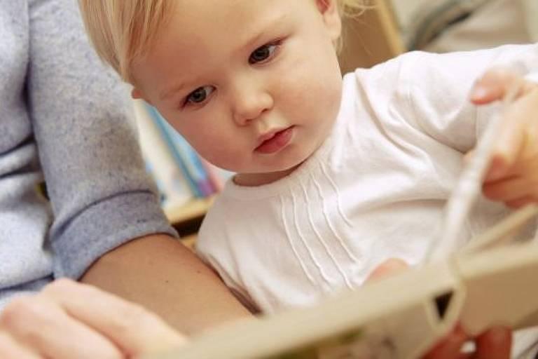 Bebês podem ser estimulados a aprender outros idiomas; mas não havia clareza quanto a uma 'idade ótima' de aprendizado