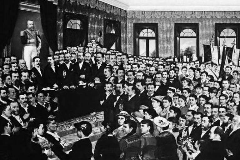 Nessa pintura da sessão parlamentar que aboliu a escravidão no Ceará, em 1884, é possível ver diversas mulheres entre os homens