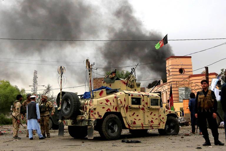 Atentado a prédio do governo deixa 6 mortos no Afeganistão