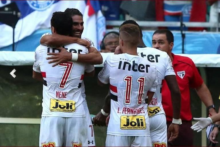 Trellez comemora gol do São Paulo contra o Bahia