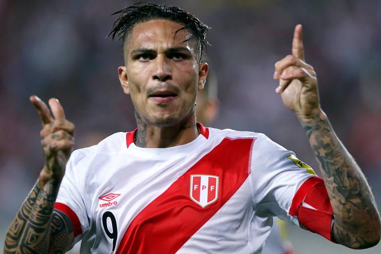 Guerrero comemora gol pela seleção peruana