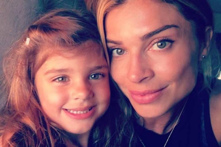 """Grazi Massafera homenageou a mãe e a filha nas redes sociais. """"Meu amor, minha vida"""", escreveu a atriz"""