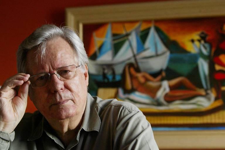 O diretor de cinema Roberto Farias em sua casa na Gávea, Rio de Janeiro